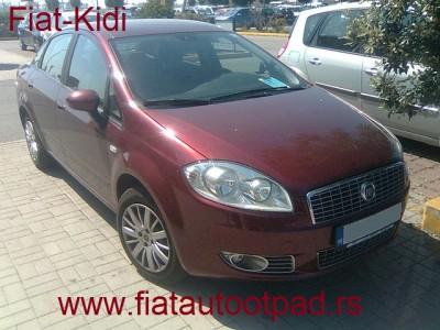 Fiat Linea Je Italijanski Automobil Koji Je Poceo Da Se